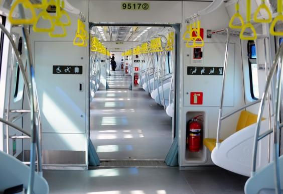 지하철 9호선 내부