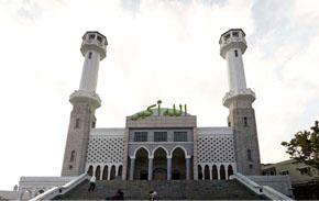 우사단길 중심에 자리한 이슬람 중앙성원