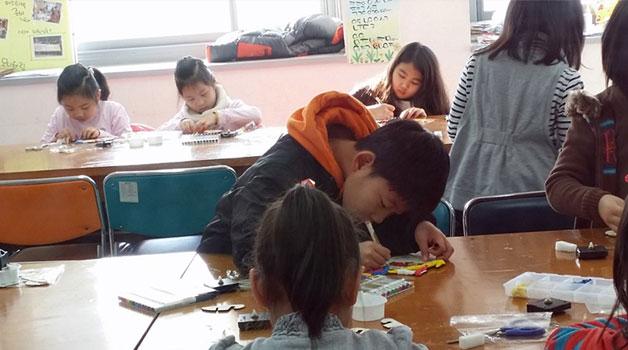 보라매청소년수련관-토요프로그램에서 다양한 체험을 하는 아이들