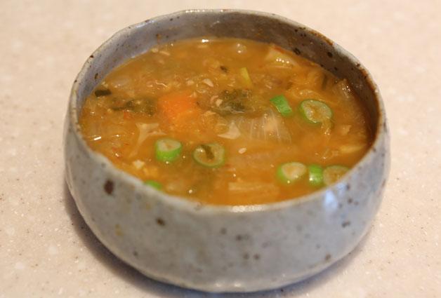 뜨끈한 청국장 한 그릇은 환절기 건강관리에도 좋다