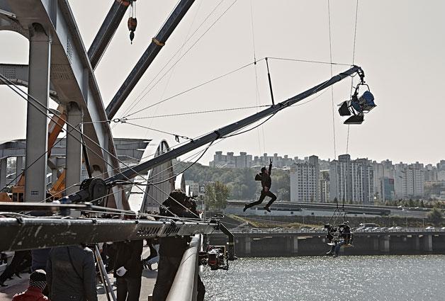 서울촬영 지원 – 한강대교(영화 `용의자`)