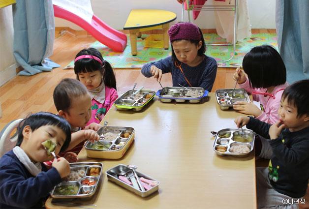 김치와 된장을 즐기는 아이들 몸도 마음도 건강하다 ⓒ이현정