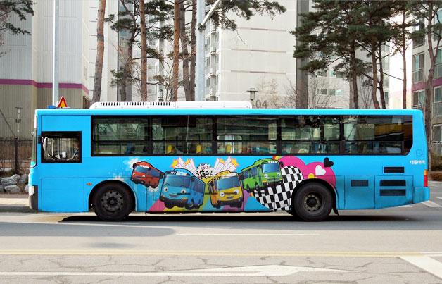 타요버스 측면랩핑 모습