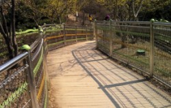 초안산 근린공원 생태다리