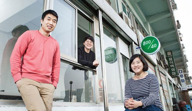 세운상가에 모인 청년예술가들, 왼쪽부터 김세윤(800/40), 김진하(200/20), 김양우(800/40)