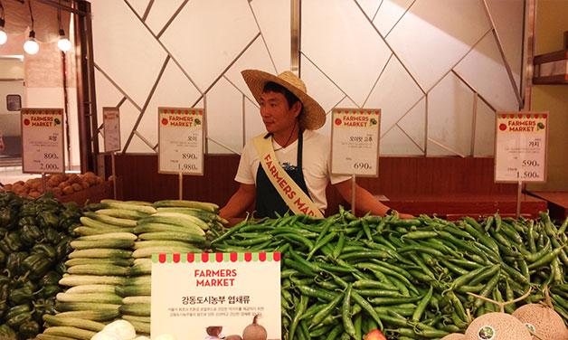 `강동도시농부`가 제공하는 친환경 채소는 일반 대형마트보다 30% 정도 저렴하다