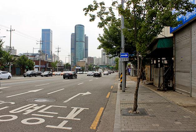 서울-인천을 연결했던 경인로에 문래동 창작거리가 자리잡았다