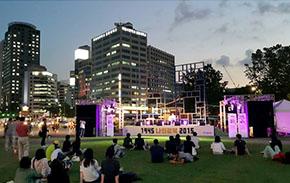 퇴근 후 서울광장은 락 페스티벌로 '들썩들썩'