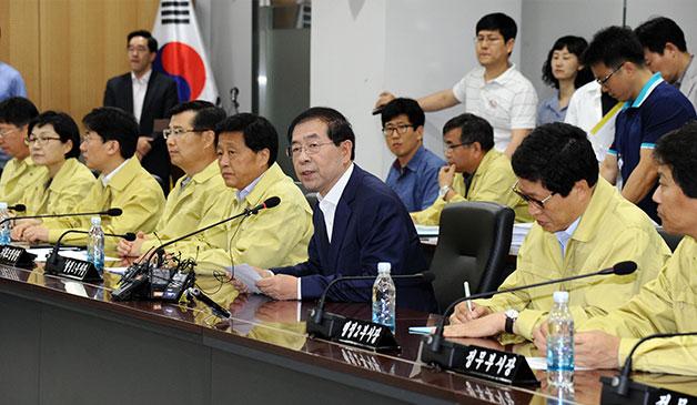 지난 6월 7일 서울시청에서 메르스 대책회의를 주재하는 박원순 서울시장.
