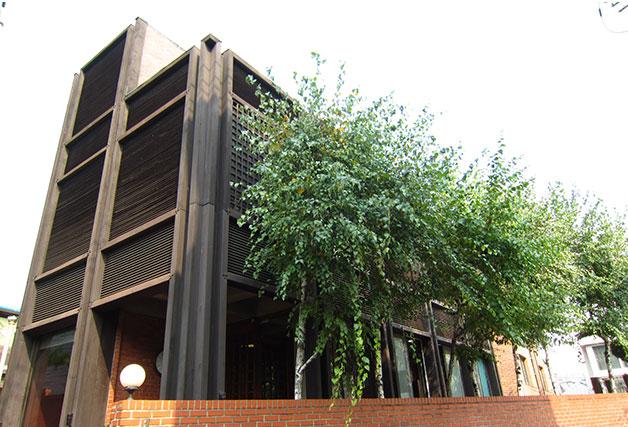 건축차 김수근이 화가 박고석을 위해 지은 주택, 고석공간