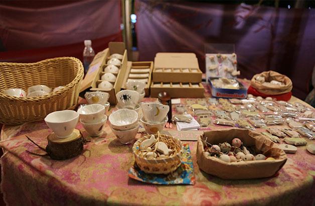 도자기 소품을 만드는 `비기너스`