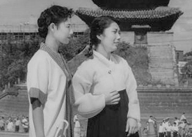 영화 〈서울의 휴일> 중 한 장면