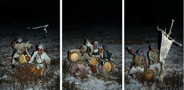 한국전쟁에서 희생된 군인들의 운명을 연극적인 방식으로 풍자한 조습의 `쾌지나 칭칭나네`