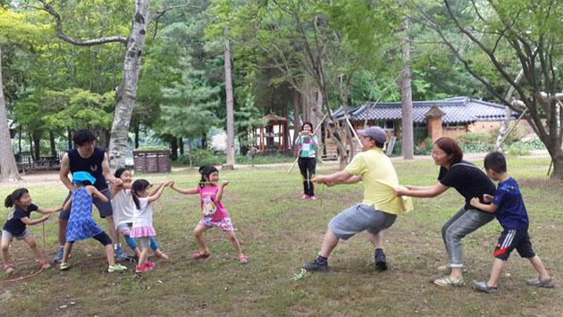 지난해 `꿈꾸는 작은숲학교(관악구)`의 활동 모습