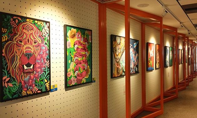 `작은갤러리`에 전시된 상일미디어고 만화특성화반 학생들의 애니메이션 작품