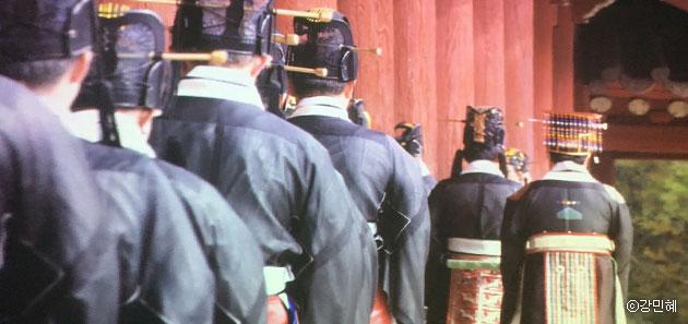 `궁을 걷다, 숨을 쉬다展`, 조선시대의 나라제사 중 가장 규모가 크고 중요한 제사인 종묘제례는 종묘대제(宗廟大祭)라고도 부른다. ⓒ강민혜
