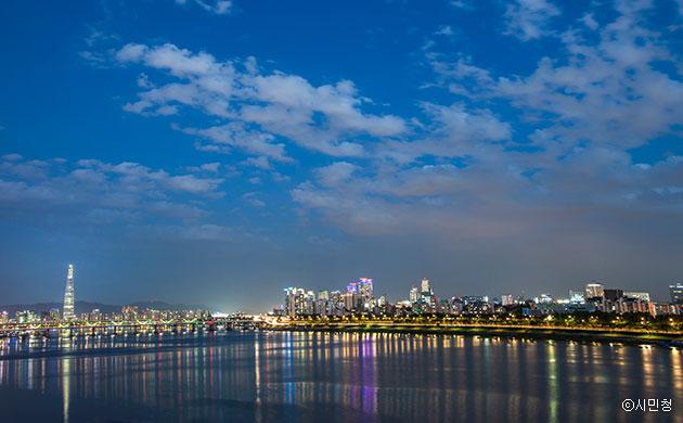 김선영 시민작가 작품, 하나둘씩 켜지는 불빛이 낮의 복잡함을 가려주는 아름다운 야경 포착 ⓒ시민청