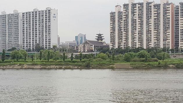 한강 건너 멀리 보이는 세남터