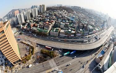 국내 최초 고가도로인 아현고가도로 철거 전 모습 ⓒ뉴시스