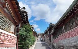 북촌 한옥마을의 오래된 골목길