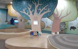 나무를 주제로 아이들 눈높이에 맞게 아기자기하게 꾸며진 특별전시장 ⓒ권영임