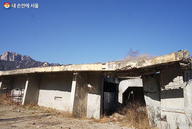 옛 시민아파트이자 대전차방호시설이었던 이곳이 내년엔 문화예술창작공간으로 탈바꿈한다. ⓒ김영옥