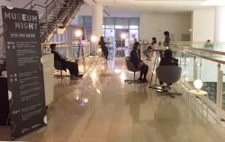 `뮤지엄 나이트`가 진행되고 있는 밤의 미술관 모습