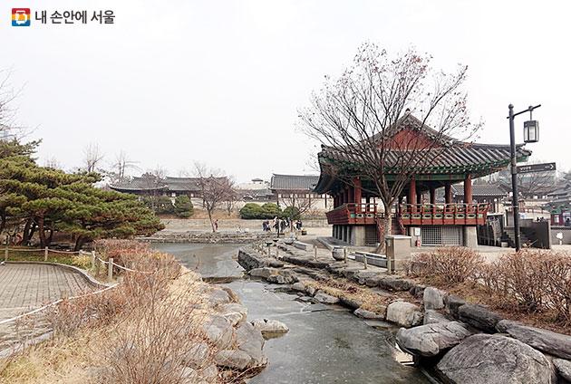 남산골한옥마을 안에 꾸며진 한국 전통정원