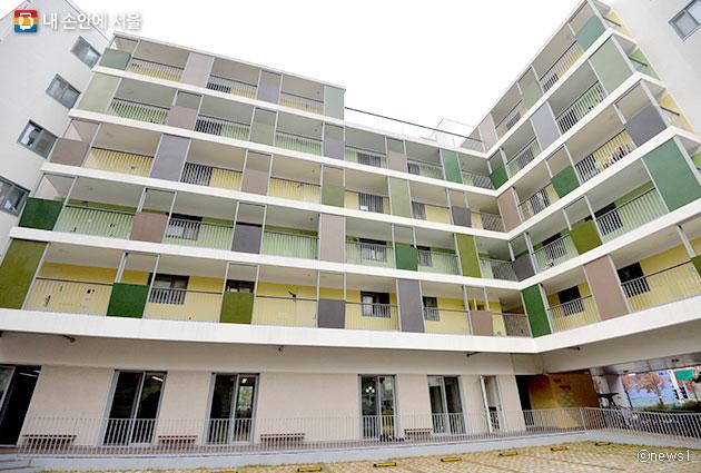 우리나라 첫 번째 협동조합형 공공주택이자 육아형 공공주택인 이음채.ⓒnews1
