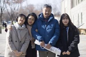 """[서울사람] """"10년에 한 번씩"""" 특별한 가족사진"""