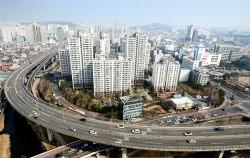 서울 내부순환로 정릉천 고가 ⓒnews1