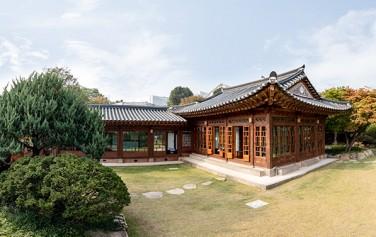 서울시가 역사가옥박물관으로 시민에게 개방하고 있는 100년 역사의 백인제가옥 ⓒnews1