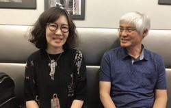 한국 ALS 사회적 협동조합 준비위원회 우수연 사무국장(왼쪽)과 손재학 관리이사(오른쪽)을 만나 `루게릭병 환우들을 위한 휠체어 선물 운동`을 들어봤다.ⓒ박찬이