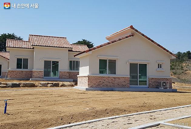 무주군 귀농 지원의 사업으로 건축된 주택 ⓒ이성식