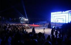 한강몽땅 밤 공연에 모인 시민들 ⓒ이현정