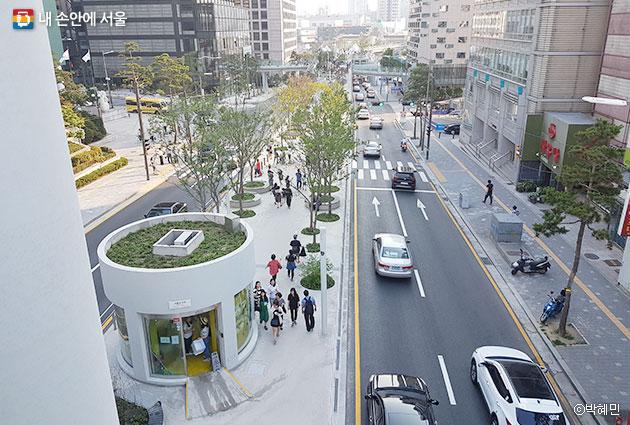 찻길에서 사람길로 변한 `서울로7017` ⓒ박혜민