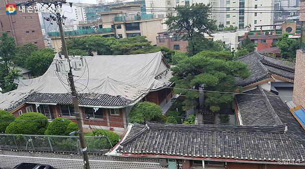 한식 목조 팔작지붕으로 만든 한옥 주택, 돈암장 ⓒ김미선