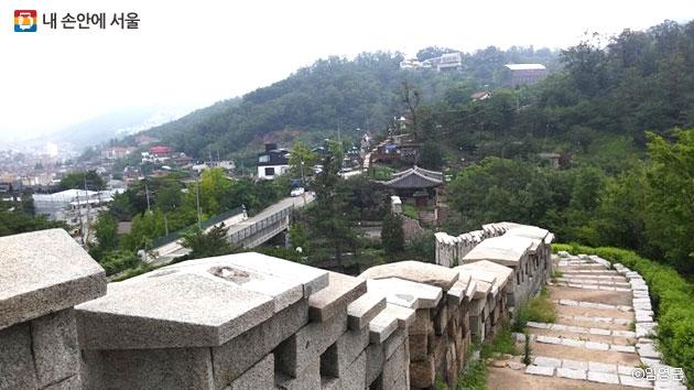 인왕산 성곽의 모습 ⓒ임영근