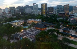 근대유적을 둘러볼 수 있는 역사문화 테마여행 `정동야행` 행사 모습 ⓒnews1
