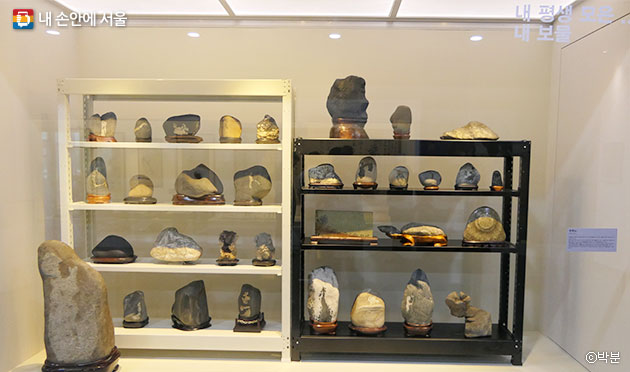 `강서 보물을 찾아라` 특별전에는 미술품뿐 아니라 특색 있는 소장품도 전시했다 ⓒ박분