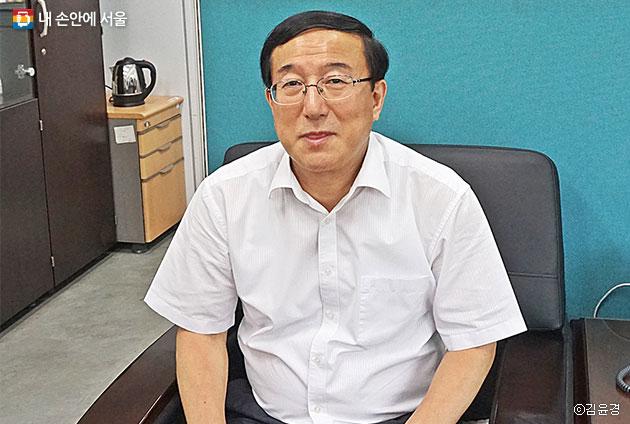 우리 동네 주무관 1호 최부규동장 ⓒ김윤경