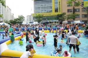 초등학교운동장에 '워터파크' …성북문화바캉스