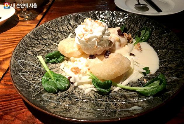 중화복추의 유명 메뉴 중 하나인 목화솜 새우 요리