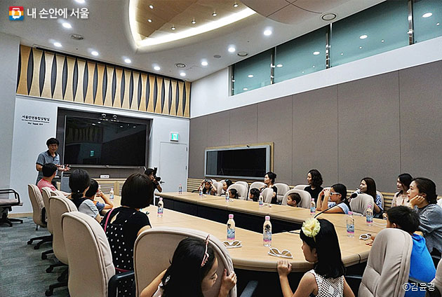 서울안전통합상황실에 모인 시민들 ⓒ김윤경