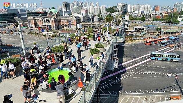 서울로7017 개장 100일간 총 380만명이 찾았다ⓒnews1