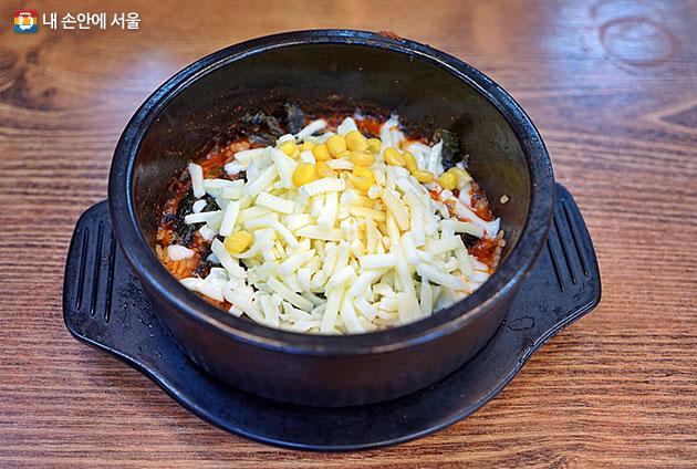 쌍문동 일대 분식집 대표메뉴 치즈밥