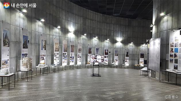 제35회 서울시 건축상 수상작 전시코너, 총 92개 작품이 출품되었다 ⓒ최용수