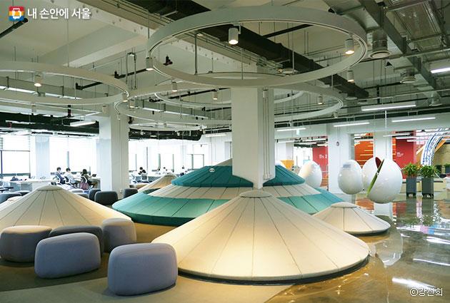 서울창업허브에선 창업자들에게 안락한 창조 공간을 제공한다. ⓒ강선희