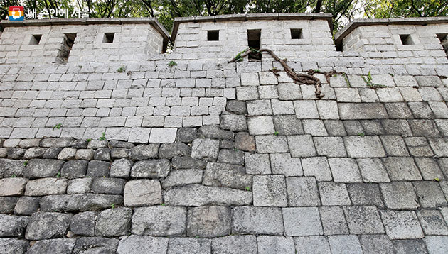 시대별로 다른 성곽 돌의 모양
