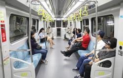 개통 2주차 연둣빛 '우이신설선' 탑승기